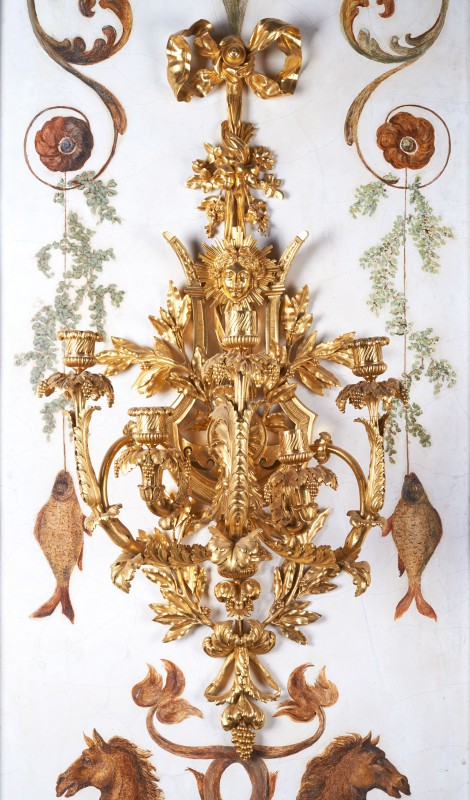 Five-branch applique with motif of a lyre and head of Apollo