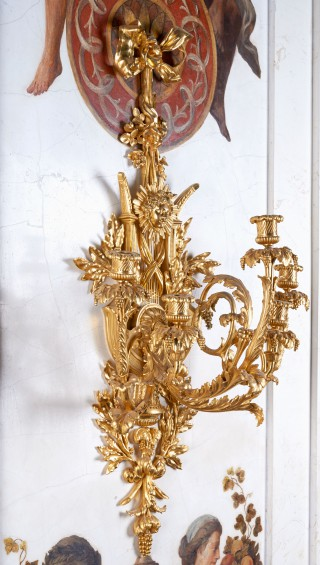 Five-branch applique with motif of a lyre and head of Apollo - 2