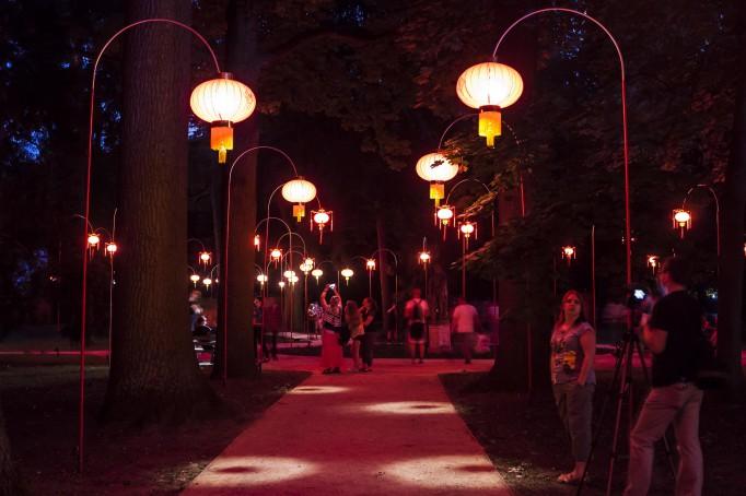 Festiwal światła Otwarty Ogród Chiński Rozświetlają Barwne