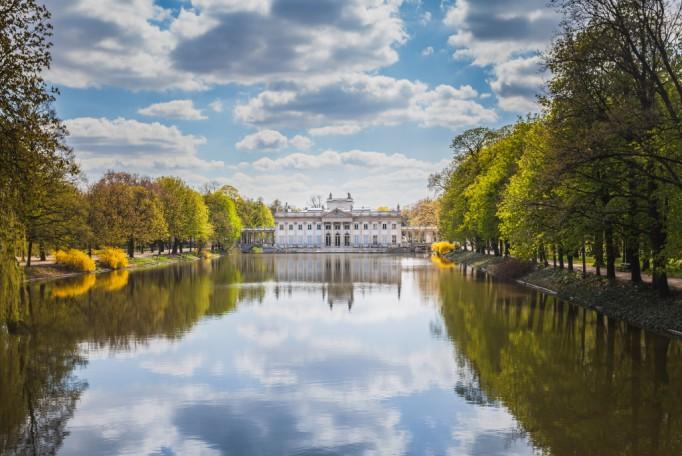 łazienki Królewskie Największą Atrakcją Turystyczną W Polsce